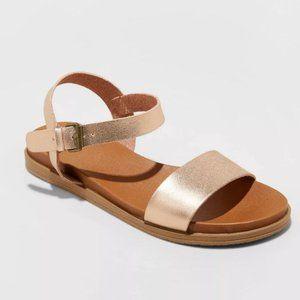 NWOT Universal Thread Nyla Ankle Strap Sandals